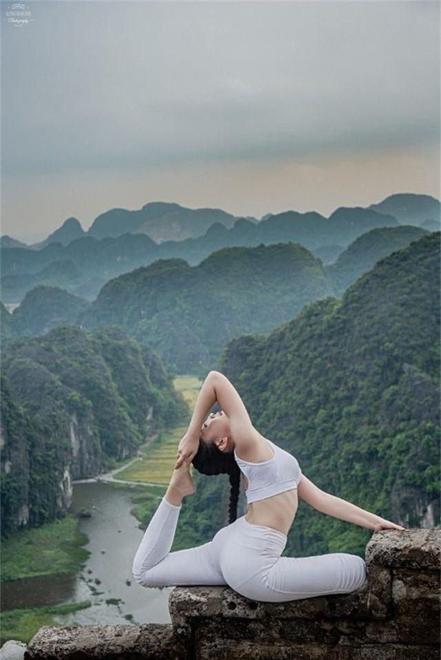 Ấn tượng bộ ảnh yoga tại Hang Múa của mẫu nhí Sài thành - 6