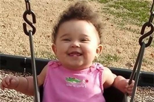 Con gái 11 tháng tuổi chết đầy tức tưởi trong ô tô, tất cả bởi sự lầm tưởng tai hại này của cha mẹ - Ảnh 1.