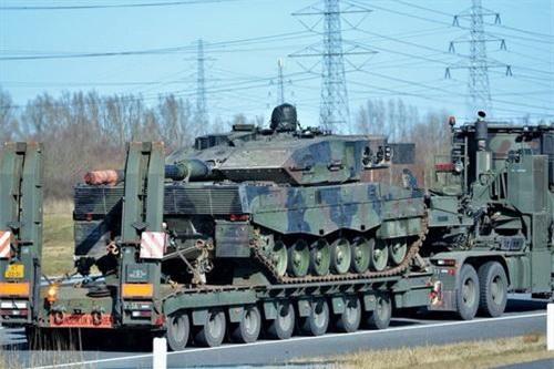 Xe tăng chiến đấu chủ lực Leopard 2A6NL được Hà Lan giao cho đối tác