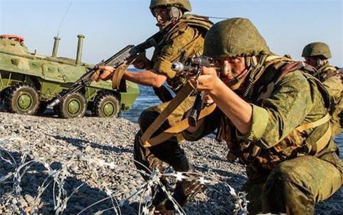 Lính thủy đánh bộ của Hạm đội Baltic Hải quân Nga