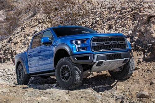 1. Ford F-Series (doanh số: 368.972 chiếc).