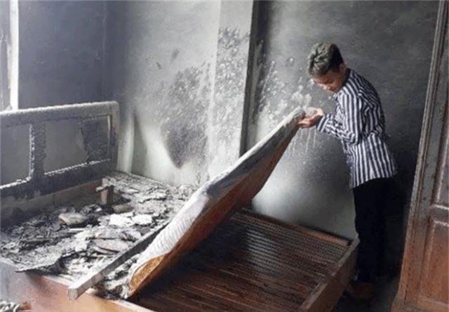 Nghi án nam thanh niên thuê phòng phóng hỏa nhà nghỉ - 1