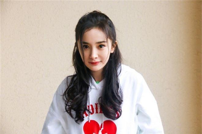 Phạm Băng Băng, Dương Mịch, Lưu Diệc Phi thuở 18: Ai mới là người sở hữu nhan sắc tự nhiên không chỉnh sửa? - Ảnh 14.