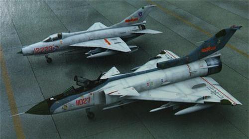 J-7 và J-9 - Hai sản phẩm của Tập đoàn Công nghiệp Hàng không Thành Đô
