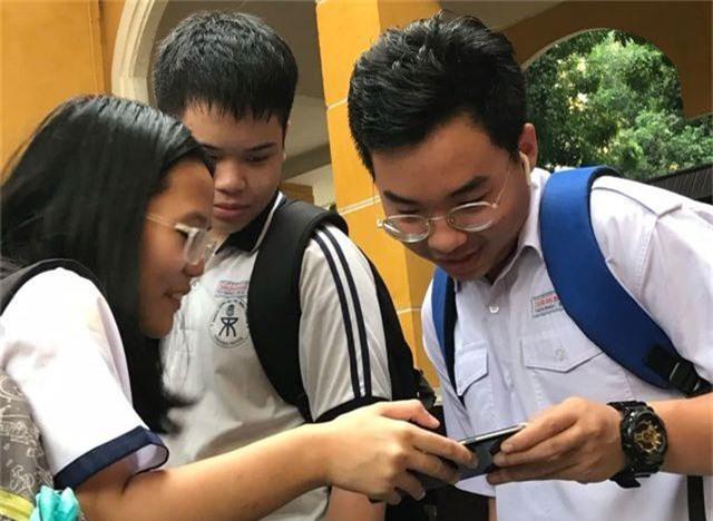 """Chấm thi lớp 10 ở TPHCM: Điểm Toán thấp, giáo viên cũng """"sốt ruột"""" - 1"""
