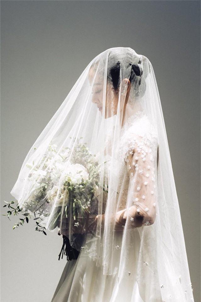 MC Phí Linh chính thức tung ảnh cưới, xác nhận chuyện lên xe hoa là thật nhưng nhất quyết không chịu lộ danh tính chú rể - Ảnh 3.