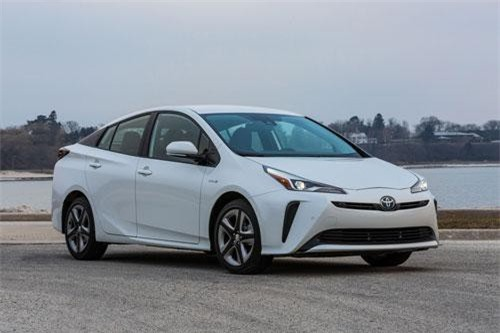 1. Toyota Prius (doanh số: 58.184 chiếc).