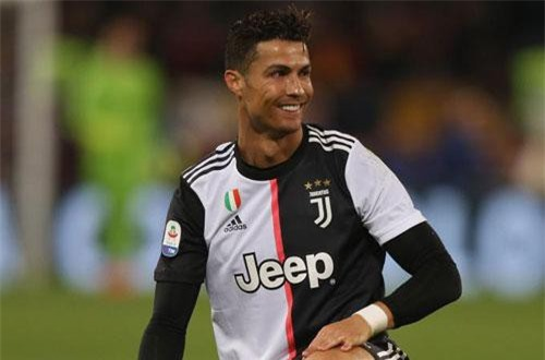 2. Cristiano Ronaldo (Juventus). Tổng thu nhập: 109 USD/năm.