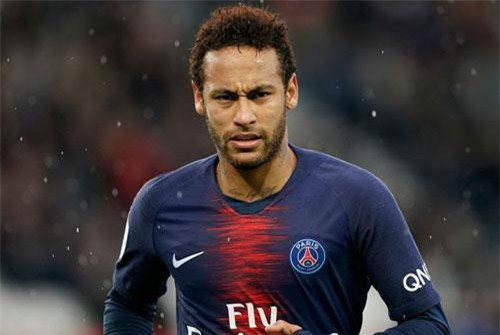 3. Neymar (PSG). Tổng thu nhập: 105 USD/năm.