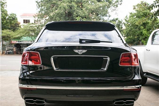 SUV Bentley Bentayga V8 trieu do ve nha dai gia Sai Gon-Hinh-2