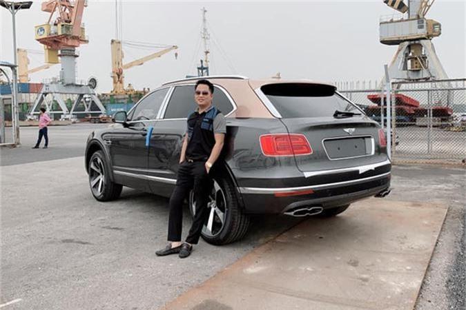 SUV Bentley Bentayga V8 trieu do ve nha dai gia Sai Gon-Hinh-4