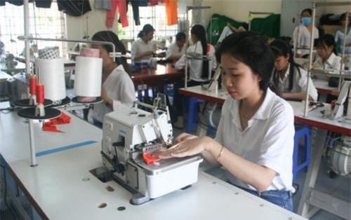 Mô hình trường nghề trong doanh nghiệp được xem là giải pháp hiệu quả trong gắn đào tạo với thị trường lao động