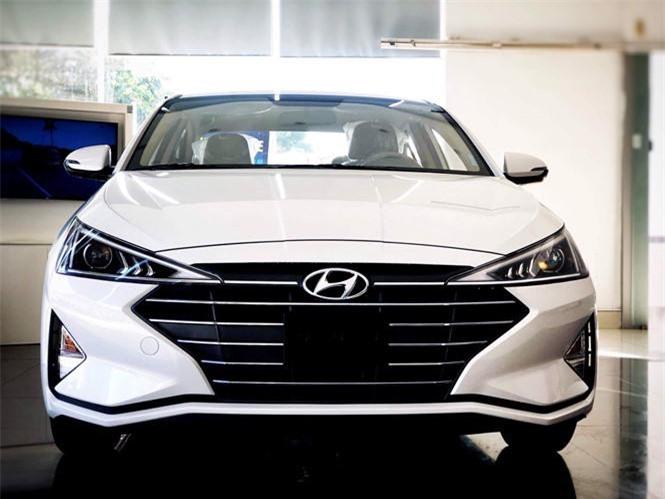 Phiên bản thấp nhất của Hyundai Elantra 2019 vẫn sở hữu ngoại hình thời trang