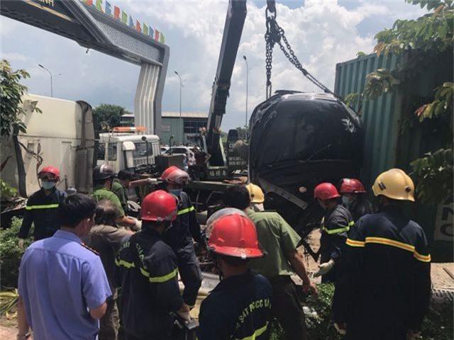 Vụ tai nạn thảm khốc 5 người chết: Do xe container lấn trái - 3