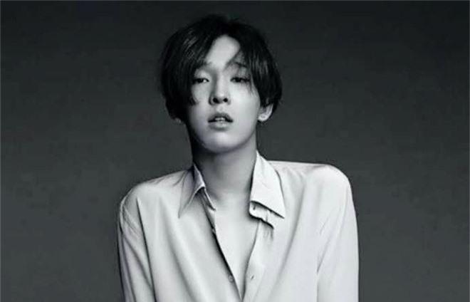 2 năm trước, nam idol này từng úp mở về liên hoàn phốt từ Seungri đến B.I (iKON) khi rời Winner nhưng không ai để ý? - Ảnh 1.