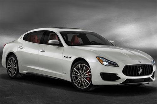Maserati Quattroporte.