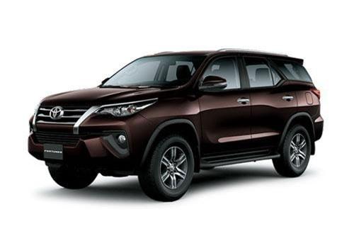 8. Toyota Fortuner (doanh số: 4.620 chiếc).