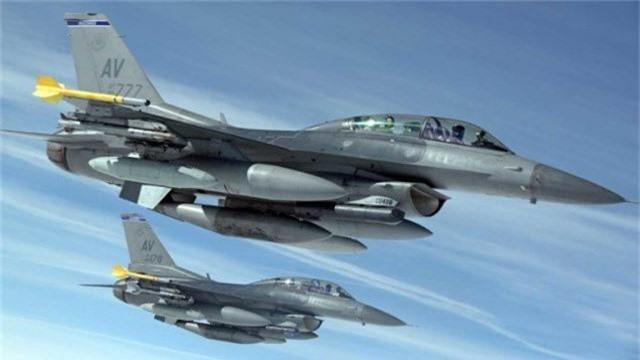 """Bulgaria """"che ong che eo"""" chien dau co F-16 cua My-Hinh-2"""
