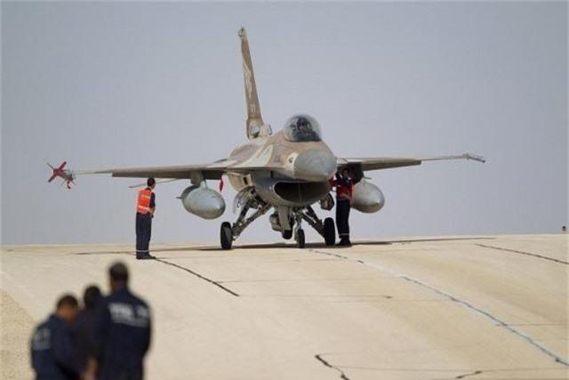 """Bulgaria """"che ong che eo"""" chien dau co F-16 cua My-Hinh-4"""