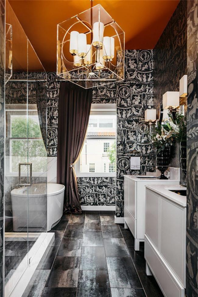 Nâng tầm vẻ đẹp của căn phòng tắm gia đình với thiết kế đèn chùm rực rỡ - Ảnh 4.