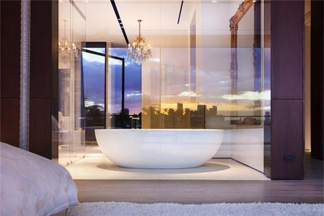 Nâng tầm vẻ đẹp của căn phòng tắm gia đình với thiết kế đèn chùm rực rỡ - Ảnh 5.