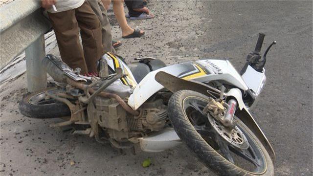 6 phương tiện gặp tai nạn liên hoàn khi đổ đèo, 1 phụ nữ tử vong - 2