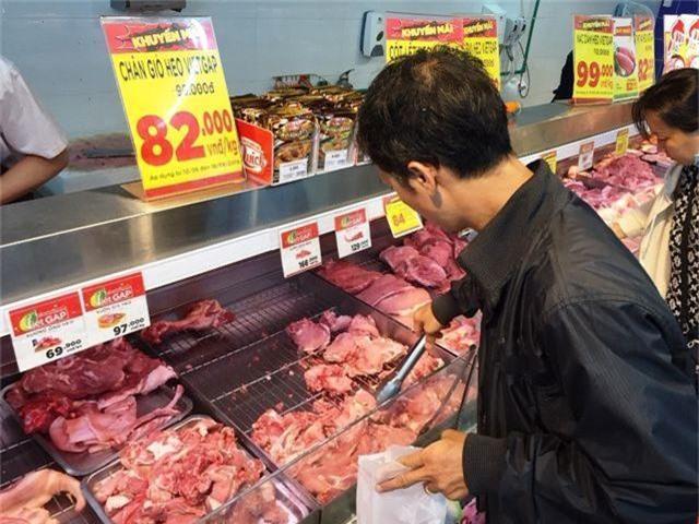 """TPHCM: Nhiều siêu thị đồng loạt giảm giá thịt heo giữa """"bão táp"""" dịch tả - 1"""