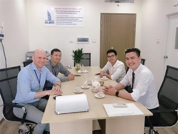 Bên trong văn phòng làm việc Công ty Xây dựng Dubai (Ảnh DN cung cấp)