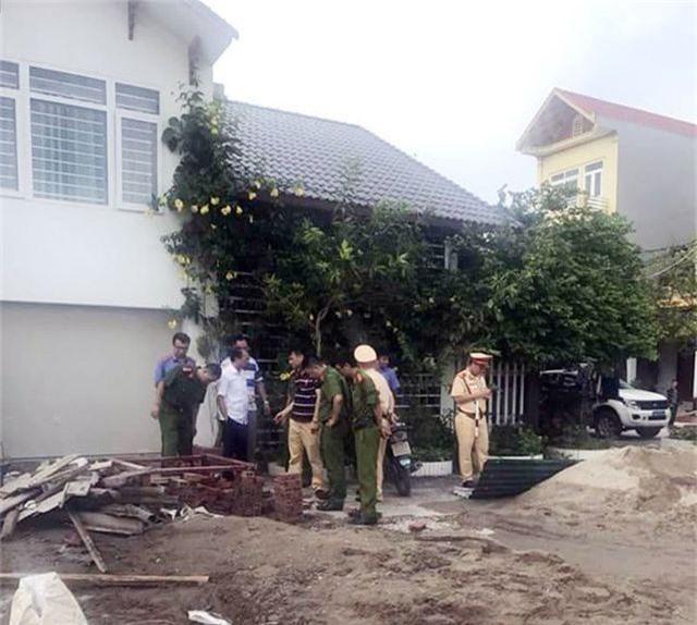 2 nhóm côn đồ truy sát, nổ súng thị uy nhau trên phố - 1