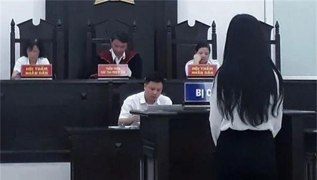 """Hà Nội: Nữ sinh viên rủ bạn """"đi khách"""" giá 15 triệu đồng/lượt - 1"""