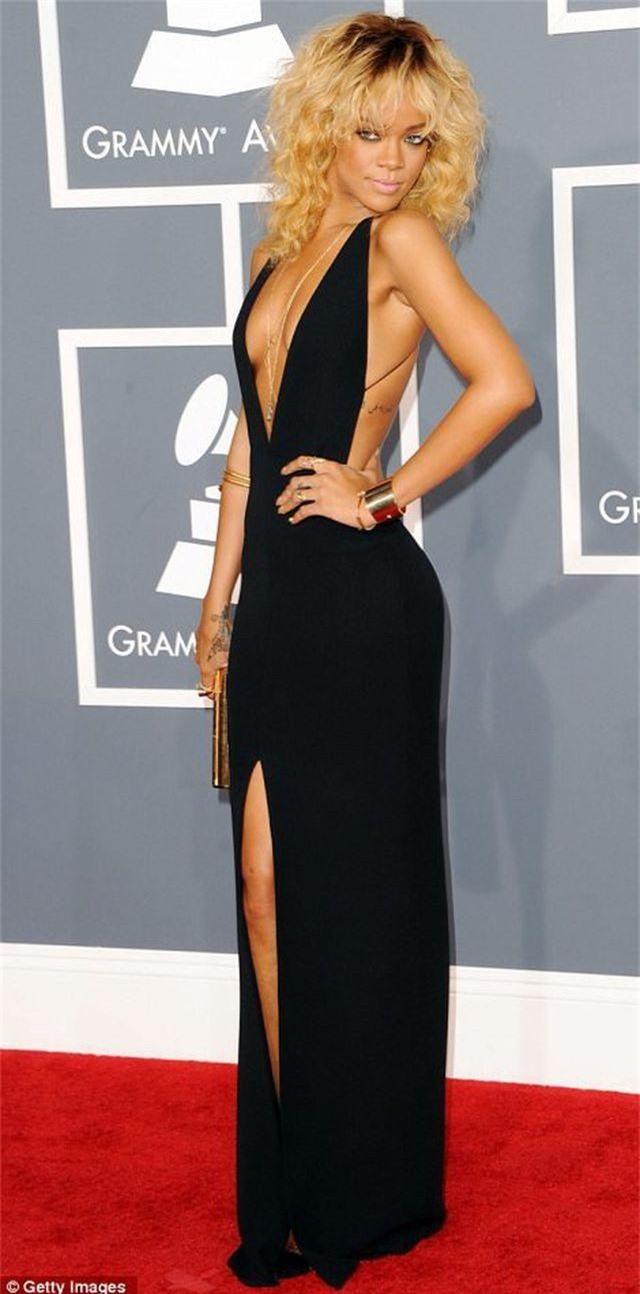 Rihanna tăng cân vẫn xinh đẹp - 3