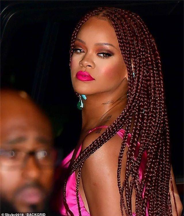Rihanna tăng cân vẫn xinh đẹp - 5