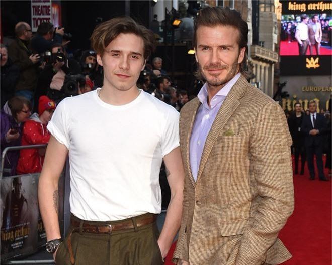 Con trai cả Brooklyn gây thất vọng vì yêu mù quáng, David Beckham chuyển sang o bế cậu hai Romeo Beckham? - Ảnh 6.