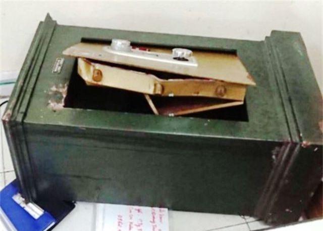 Bắt 3 người Trung Quốc chuyên cạy phá két sắt, trộm cắp tiền vàng - 1