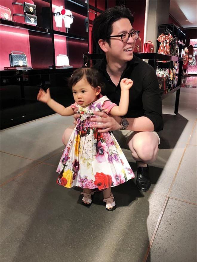 Mai Hồ hạnh phúc khoe con gái xinh như thiên thần, càng lớn càng quấn bố Việt Kiều không rời - Ảnh 4.
