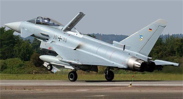 Hai máy bay chiến đấu Đức đâm nhau, phi công thiệt mạng - 1