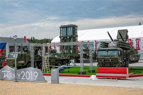 Triển lãm Army 2019 tiếp tục trưng bày nhiều loại xe tăng – thiết giáp tối tân nhất dành riêng cho Quân đội Nga. Nguồn ảnh: SAID AMINOV