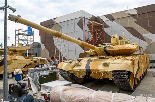 Xe tăng chủ lực T-90MS dành cho khách hàng xuất khẩu. Nguồn ảnh: SAID AMINOV