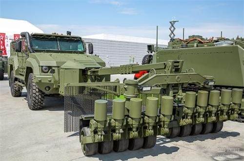 Xe thiết giáp kháng mìn KAMAZ-53949 Typhoon-K tích hợp hệ thống quét mìn bộ binh. Nguồn ảnh: SAID AMINOV