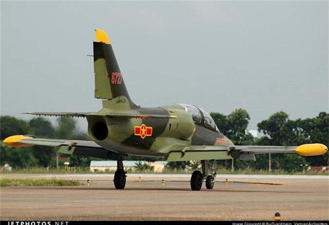 Kham pha cap may bay huan luyen moi phi cong KQND Viet Nam-Hinh-11