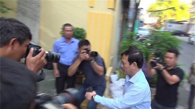 Nguyễn Hữu Linh ẩn trong nhà vệ sinh khi đến tòa - 1
