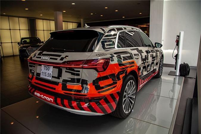 Can canh SUV chay dien Audi e-tron dau tien ve Viet Nam-Hinh-11
