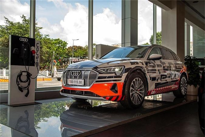 Can canh SUV chay dien Audi e-tron dau tien ve Viet Nam-Hinh-12