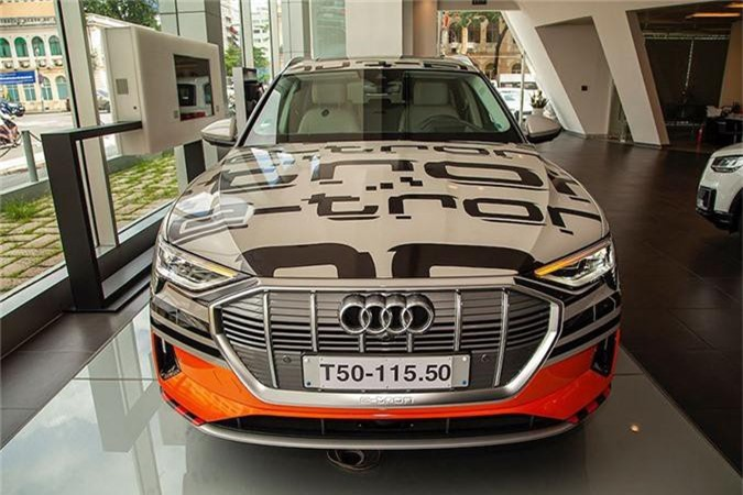 Can canh SUV chay dien Audi e-tron dau tien ve Viet Nam-Hinh-3