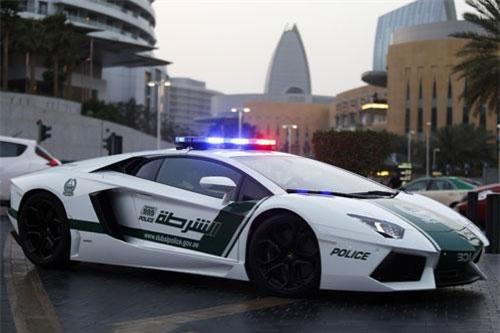 2. Lamborghini Aventador.