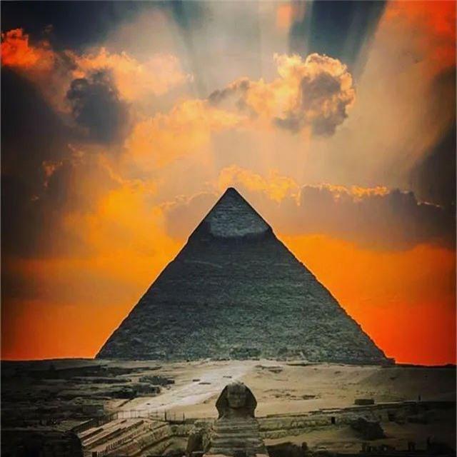 Đại kim tự tháp ở Giza tiếp tục là đề tài được giới nghiên cứu quan tâm với phát hiện mới.