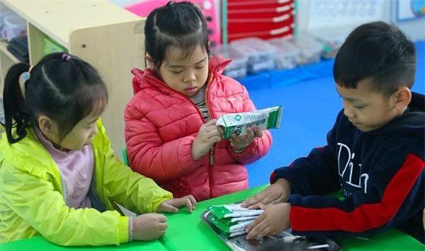 Lứa tuổi mầm non cũng là lứa tuổi vàng để bổ sung vi chất vì vậy những sản phẩm bổ sung vi chất trong những bữa ăn học đường thực sự cần thiết với trẻ.