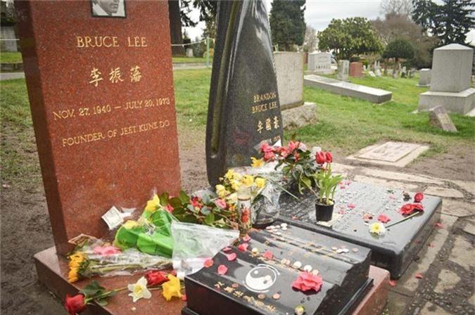 Su that kinh ngac ve dam tang 2 lan cua Ly Tieu Long-Hinh-10