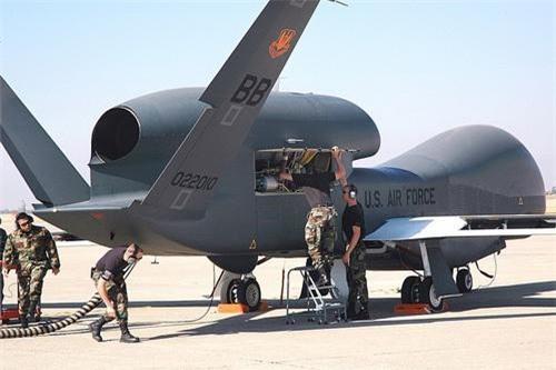 Máy bay trinh sát không người lái tầm cao RQ-4A Global Hawk của Mỹ