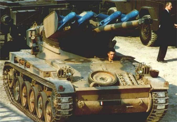 Di tim xe tang dau tien tren the gioi co he thong nap dan tu dong-Hinh-10